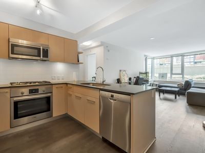 Photo for Urban Living Convenient Location City Center Close to Skytrain 2 Bedrooms