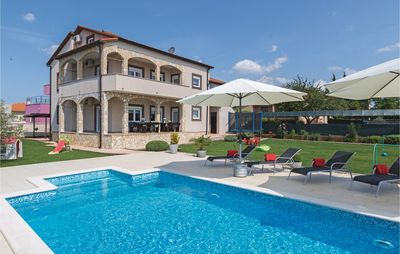 Photo for 6 bedroom accommodation in Pula