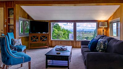 Photo for Rustic Rogue Cottage ~ Private Views of Table Rock