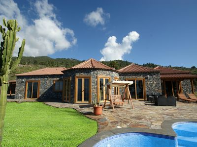 Photo for Casa Vista Libre - luxury villa with 180 ° sea views and 180 ° mountain views