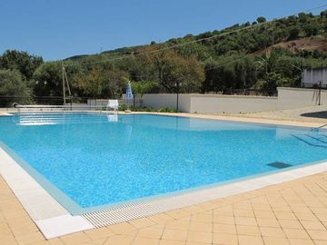 Search 564 holiday rentals
