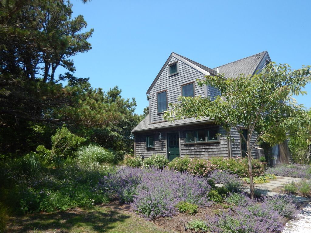 Quidnet Getaway Cottage HomeAway Nantucket - And architectural cottages on secluded private pond homeaway