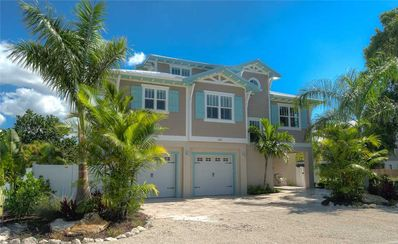 Photo for Canal Front Home, Private Pool, August Discounted! Aqua Cove: 4 BR/3.5 BA