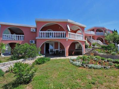 Photo for Holiday apartment Karlobag for 1 - 5 persons with 3 bedrooms - Holiday apartment in a villa