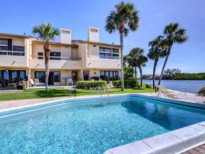 Photo for Beautiful townhouse on the intracoastal, 2 blocks to beach