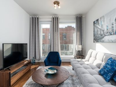 Photo for Sunny 2BR in Heart of Plateau Mont-Royal