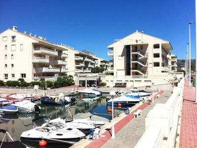 Photo for Lovely 2 bedroom 2 bathroom apt beside Marina. Very close to beach. WiFi & UK TV