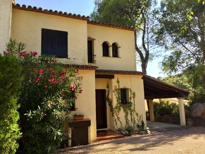 Photo for Lovely 3 bedroom villa with large communal swimming pool and sea views