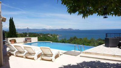 Photo for Villa with fantastic sea views, private pool, in Les Issambres RIVIERA