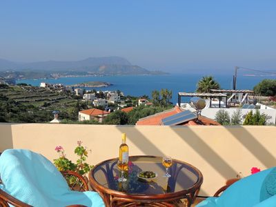 Photo for 3 bedrooms, views, private pool, walk to tavernas in Plaka, beach & shops.