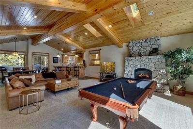 Spacious Tahoe Home with Pool Table, Minutes from Heavenly and Lake Tahoe  (HV17) - Rancho Bijou