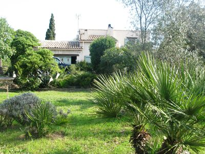 Photo for A 3 km from the beach, at the foot of the village of Grimaud, large villa with swimming pool