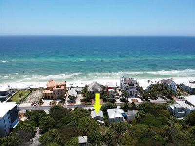 Photo for Directly Across from the Beach and steps to Seaside in Old Seagrove! 4 Bikes -`Wizzy Wig`