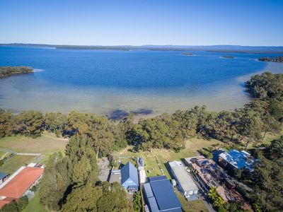 Photo for SORRENTO LAKESIDE, Sanctuary Point -  4pm check out Sundays!