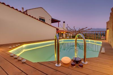 Traditional Ioannis Cottage Heated Pool