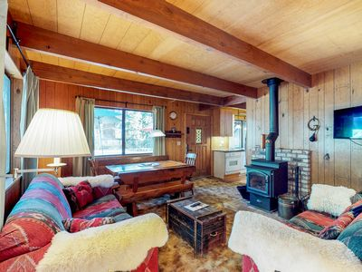 Photo for Dog-friendly and cozy cabin, close to Lake Tahoe activies!