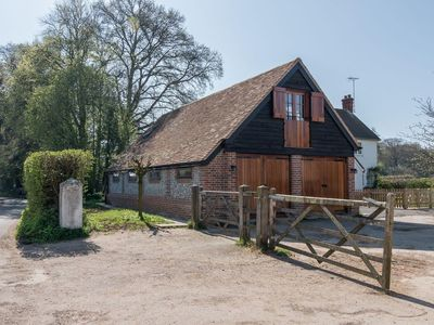 Photo for 1 bedroom accommodation in Checkendon, near Reading