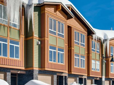 Photo for Grizzly Ridge Trail 6, Brand New Luxury 3 Bedroom 2 Bathroom Townhome, Garage