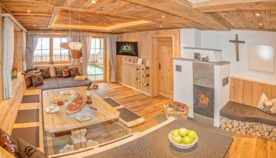Photo for Luxury chalet, sauna, bath grotto, infrared beds, fireplace, garden, Wi-Fi for free, ...