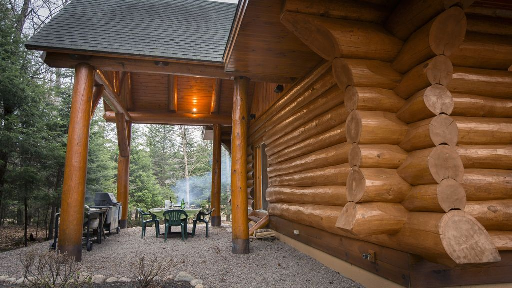 Moon Over Moose Luxury Vacation Waterfront Log Home 5 Bed