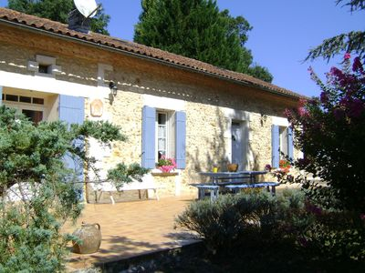 Photo for Rustic house with pool in the Périgord Vert.