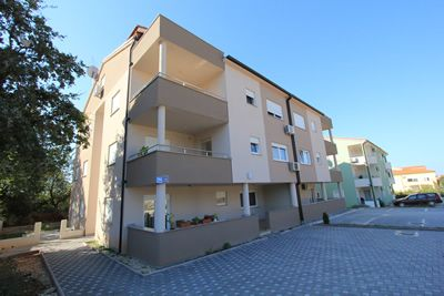 Photo for Accommodation in Medulin with washing machine, kitchen, air condition and terrace