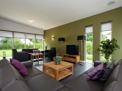 Photo for 10-person bungalow in the holiday park Landal Landgoed Aerwinkel - rural location