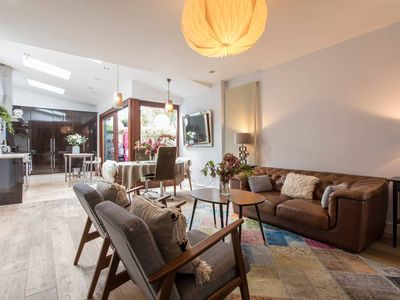 Photo for Beautiful Dublin Townhouse, minutes walk to Tram. Sleeps 4.