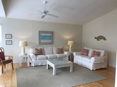 """Photo for """"Harmony"""" Beach Cottage,  Walk to Beach, South of 30A"""