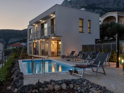 Photo for Holiday house Villa Smart with heated pool in Makarska