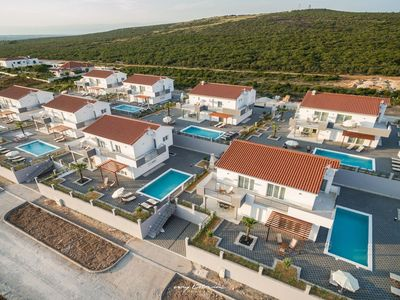 Photo for Modern family villa with pool near Zadar