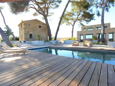 Photo for Beautiful, luxury holiday on wine estate with pool in southern France