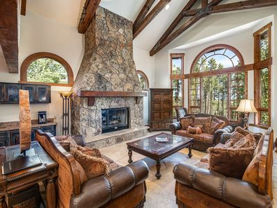Photo for Boulder Ridge Retreat: Luxurious Home, Fantastic Location!