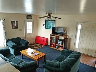 relax in the cozy living room after a day of hiking, kayaking or exploring Luray.... with flat screen TV, books, variety of movies, games and music for your enjoyment