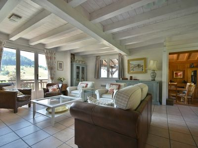 Photo for Spacious 4 bed chalet for 8 with chimney, large decked terrace  et  wifi!