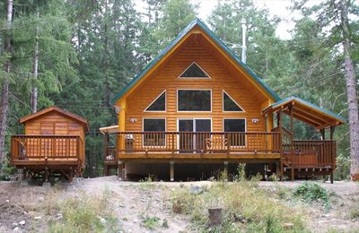 Photo for Sleeps up to 10! Packwood's Finest Mountain Retreat! So close to Mt Rainier!