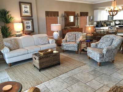 Large Gulf Front Living Room