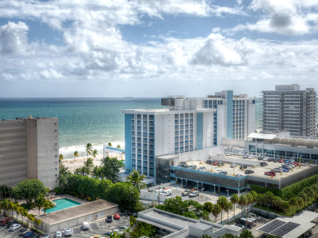Modern Luxury Beachfront Hotel 1 Bedroom Corner With Views And 2 Balconies 21 Fort Lauderdale