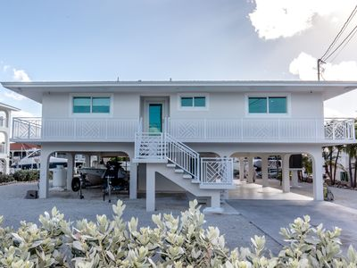 Photo for Sleek and Clean Duck Key Waterfront 2 bed 2 bath with a pool