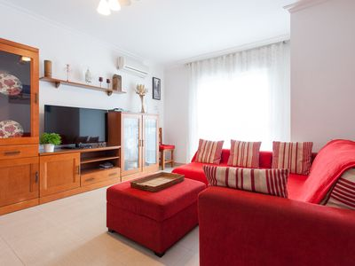 Photo for Spacious 3 bedroom apartment in the center of Seville (Triana neighborhood, 1km from the Cathedral).