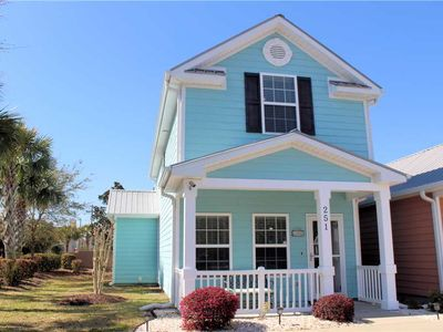 Photo for Cute and comfortable beach house centered in downtown Myrtle Beach!
