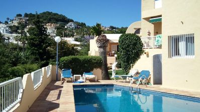 Photo for Terraced house with flair in a small complex, pool, impasse, WiFi, facing south, sea views