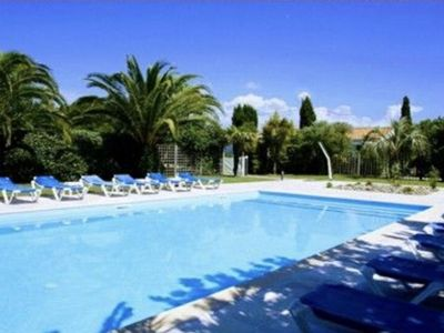 Photo for Charming house 2/4 people - Heated pool