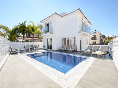 Photo for This  well present 3 bedroom villa is ideal for families or group of friends