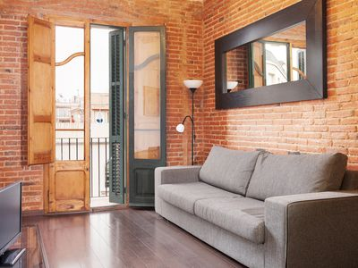 Photo for Classic style Apartment by Sagrada Familia with balcony and free wifi
