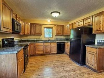 Americana Cottage / Air Hockey & Hot Tub. Centrally located in Hocking Hills!