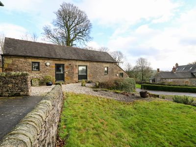 Photo for SLADE TOPS, pet friendly in Ilam, Staffordshire, Ref 998679