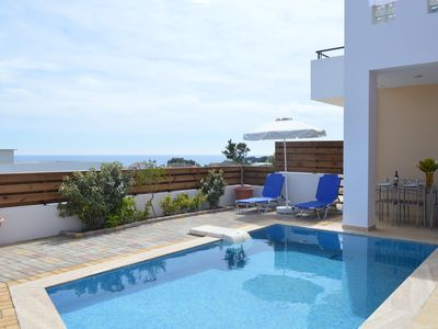 Beautiful Apartments & Villas with Pool, 400 ms to the Beach