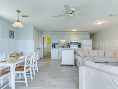 Photo for Adorable two bedroom cottage on St. Joe's Bay. PET FRIENDLY