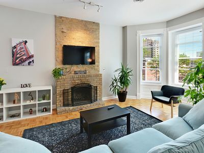 Photo for BRAND NEW 2BD/2BA APT IN LINCOLN PARK, CHICAGO